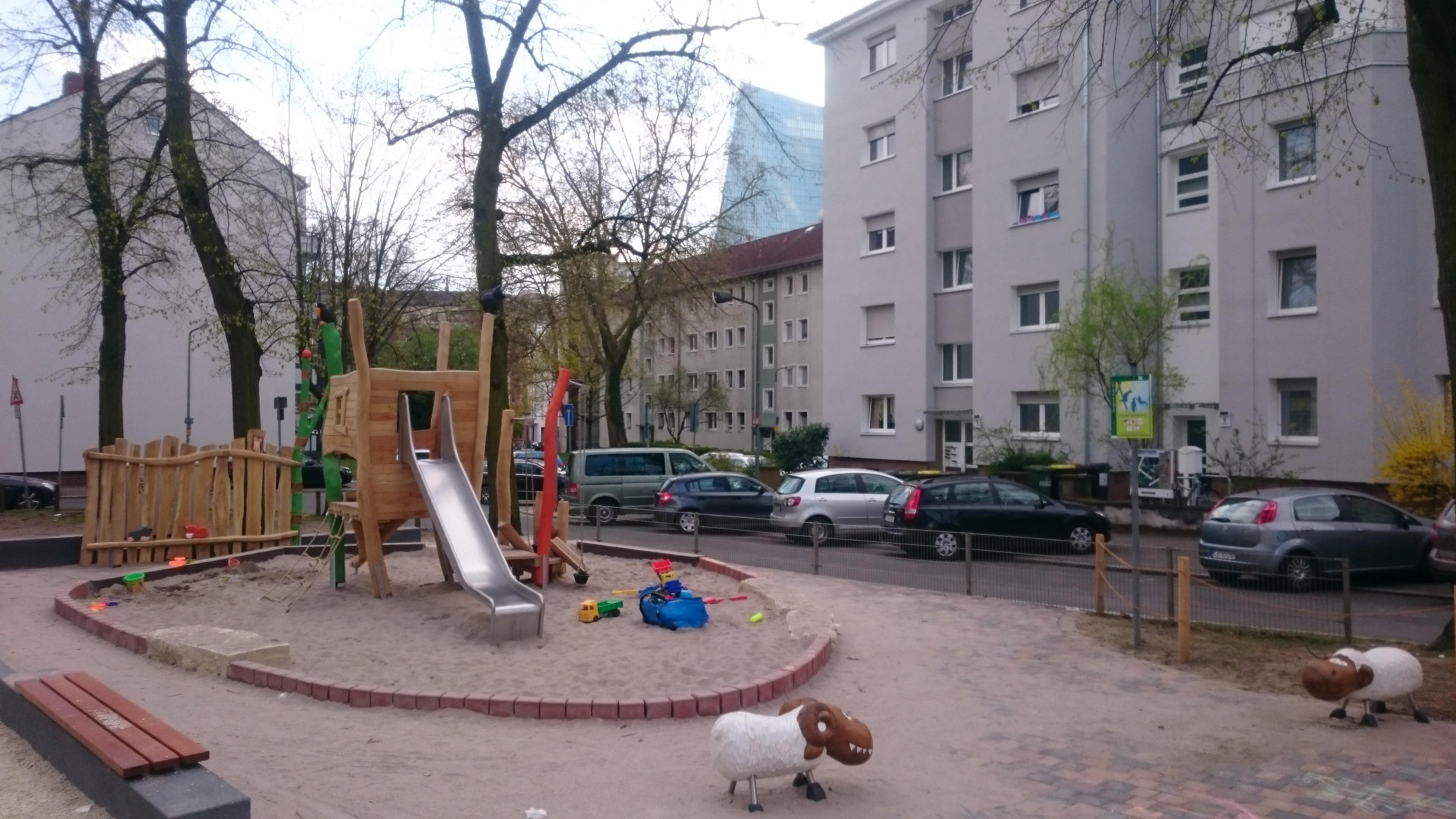 Spielplatz Dörnigheimer Straße